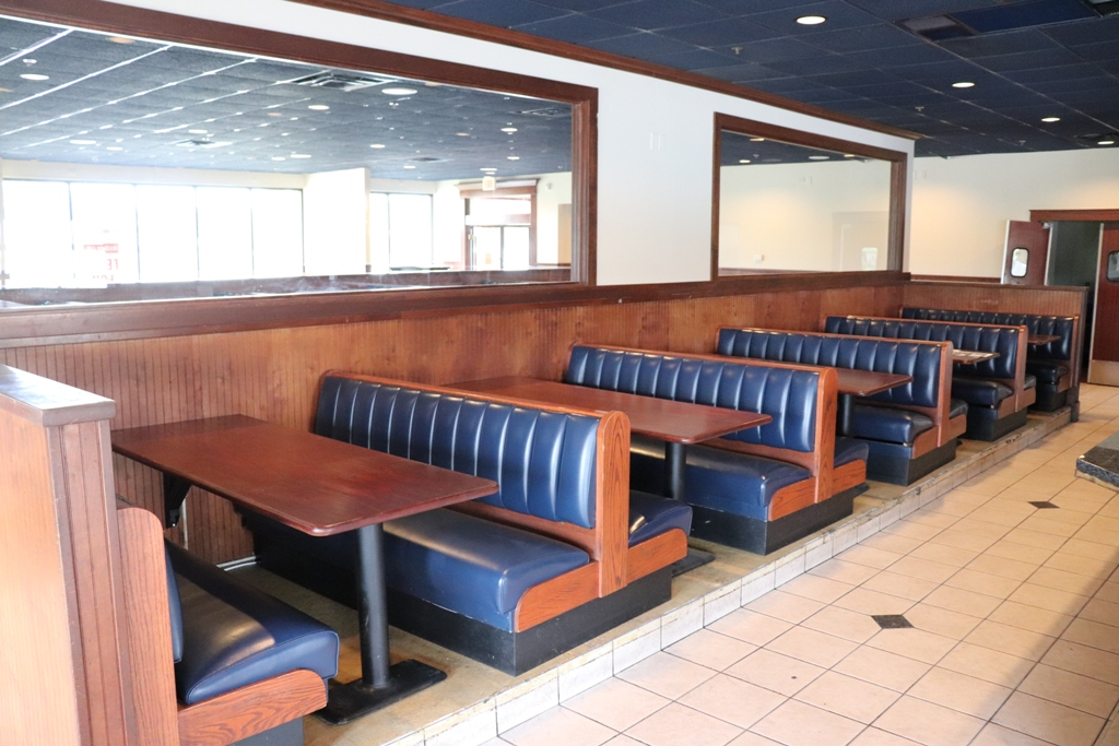 Item Image for Former Legends Bar & Grill - Plus Shelving Auction